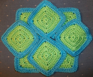 8 solid granny squares